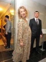 Пресс-секретарь Ксения собчак прокомментировала слухи о своей второй беременности