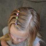 Детские прически с резинками: идеи прически с фото, варианты выполнения укладки и плетения