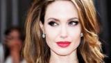 Анджелина Джоли блистает на Красной дорожке, пока Брэд Питт сватают с Дженнифер Энистон (ФОТО+ОПРОС)