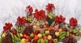 Подарочная корзина с фруктами: варианты для женщин